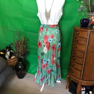 Fully lined maxi skirt green with flowers  14/16W